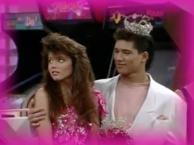 File:S2 E1 - The Prom -8 kelly n slater.png