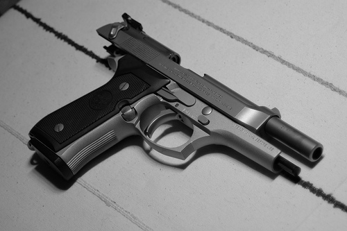 File:Beretta 92FS (right).jpg