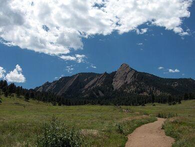 796px-Bouldercolorado