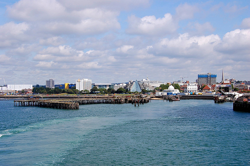 File:Remains of the Royal Pier in Southampton.Taken from the deck of the Isle of Wight Ferry bound for Cowes..jpg