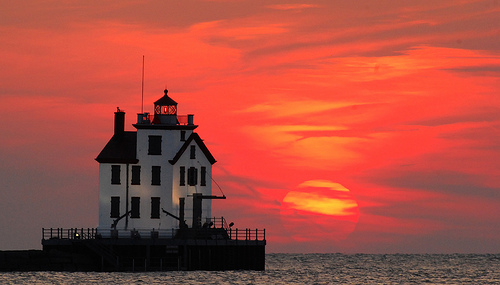 File:Lorain lighthouse at sunset.jpg
