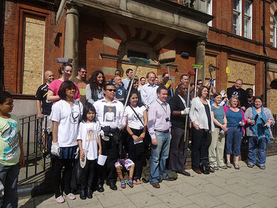 London Riot Clean Up Action join by Burma Democratic Concern -BDC