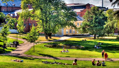 File:Sunbathing in Sinebrychoff Park.jpg