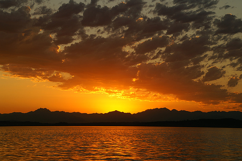 File:Sundown.jpg
