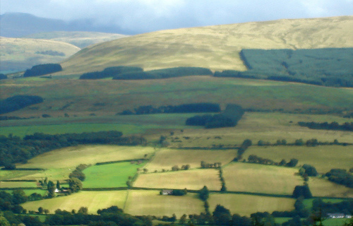 File:The Brecon Beacons.jpg