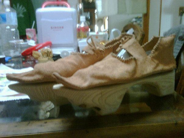 File:Turn shoe and patten before finishing.jpg