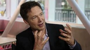 SCANDAL's George Newbern Answers Fan Questions - Hollywood Today Walk of Fame Pt 2