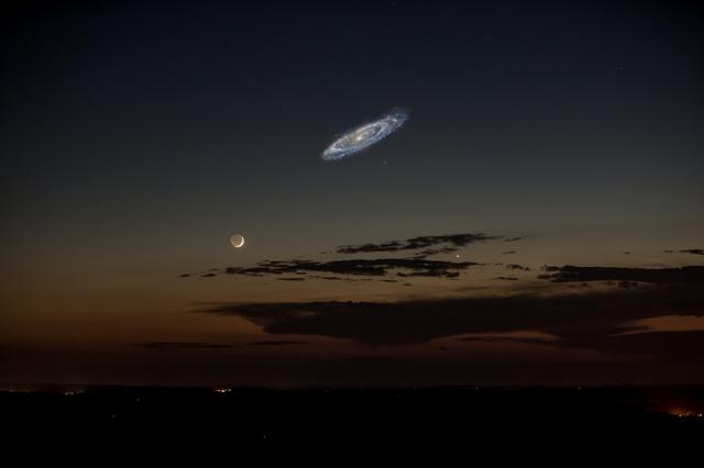 File:Andromeda night sky.png