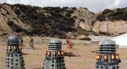 Daleks fight prisoners
