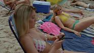 Sharktopus-texting