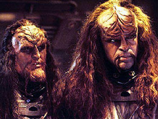 File:Klingons-klingons-12879636-520-390.jpg