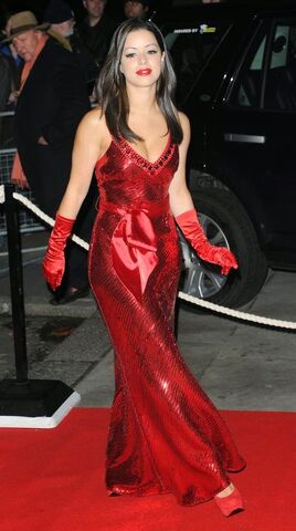 File:Tina Barett looks like a Bond Girl.jpg