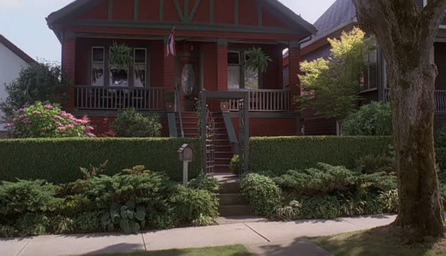 File:Rogers home (Scooby-Doo! The Mystery Begins).png