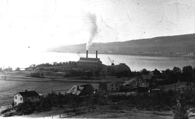 File:Finnfjord midten av 1960-tallet.jpg