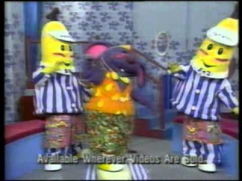 File:Bananas in pajamas videos collection promo.jpg