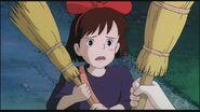 Kiki-s-Delivery-Service-hayao-miyazaki-25303961-1280-720