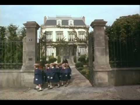 File:Madeline theatrical preview.jpg