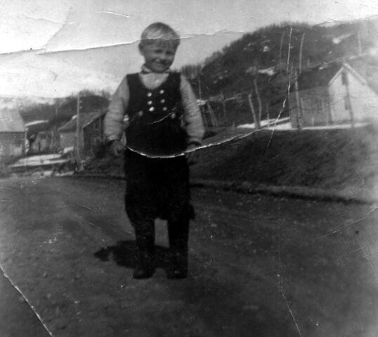 File:Lorentz som unge.jpg