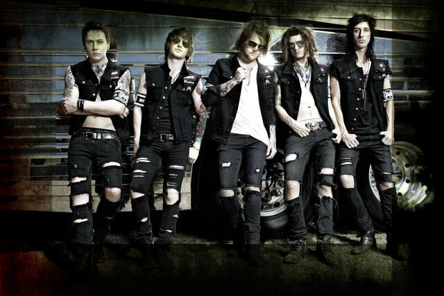 File:ASKING-ALEXANDRIA-2012.jpg