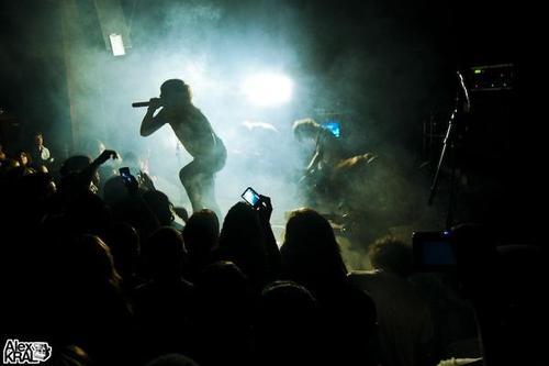 File:Asking alexandria live 2010.jpg