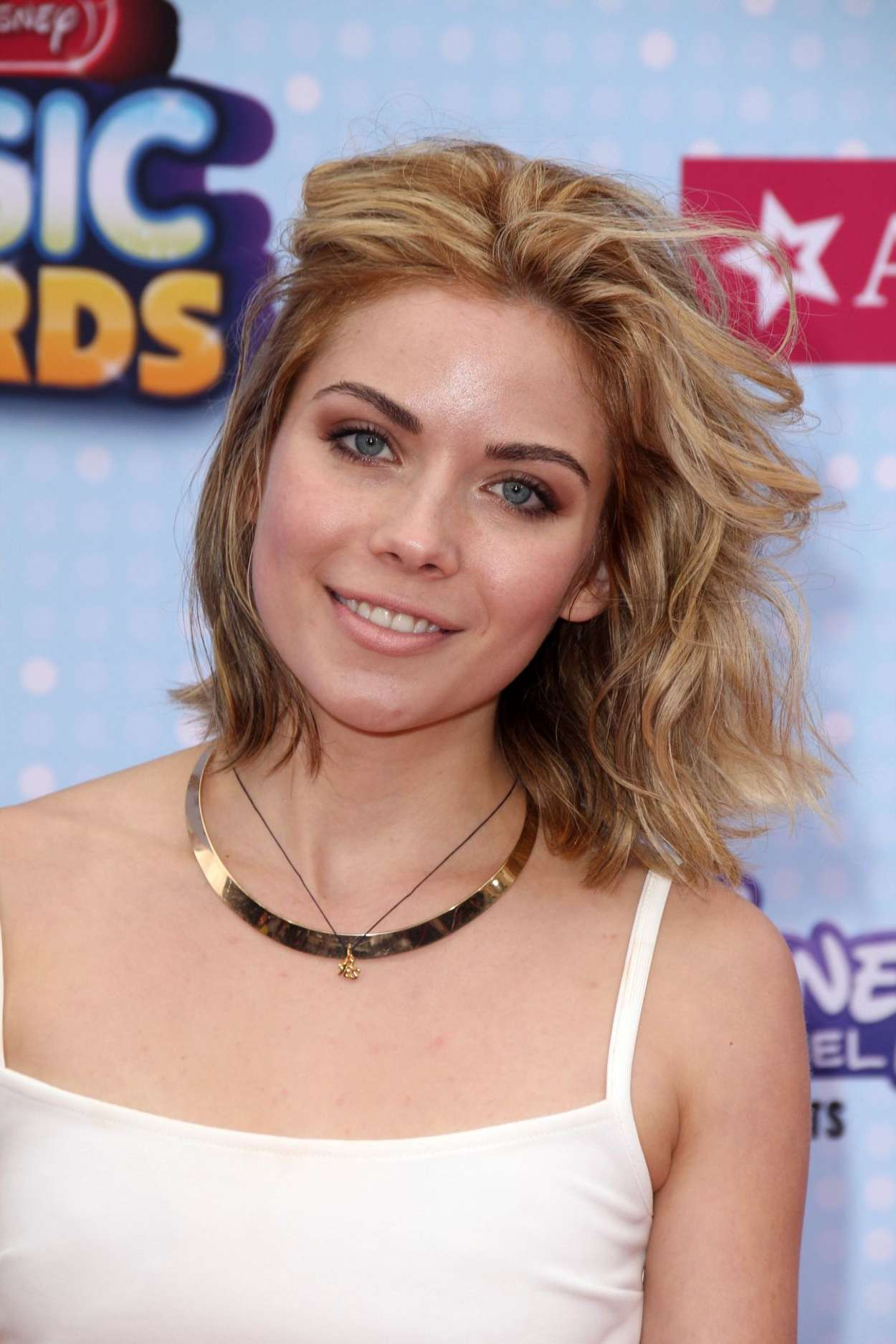 Grace-Phipps--2015-Radio-Disney-Music-Awards--07