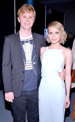 File:Emma and evan.jpg
