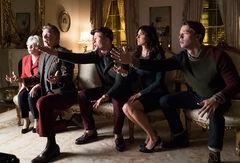 Scream-Queens-Thanksgiving-1x10-promotional-picture-scream-queens-fox-39026907-620-420.jpg