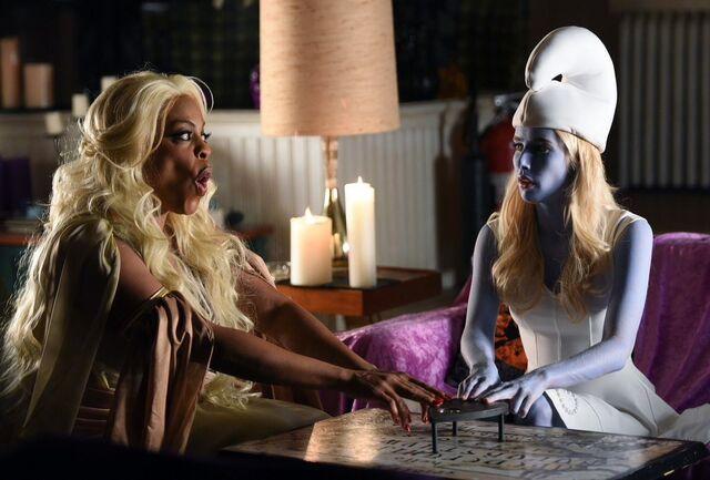 Archivo:Halloween Blues Still 1.jpg