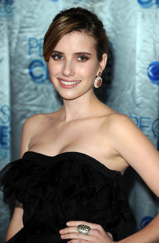 File:Emma Roberts 2011 People's Choice Awards.png