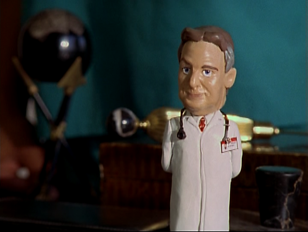File:5x7 Kelso bobblehead.png