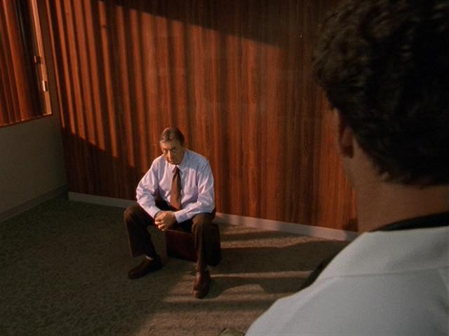 File:2x19 Kelso alone in his office.jpg