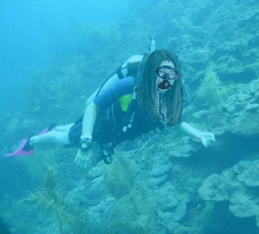 File:Mila Kunis scuba diving.jpg