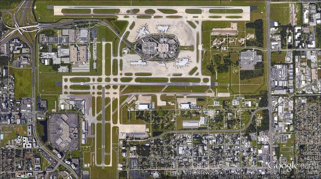 File:Tampa International airport.png