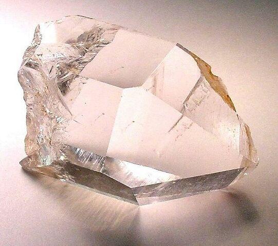File:6quartz-crystal-arkansas1.jpg