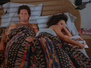 5x1 Jerry and Elaine in bed
