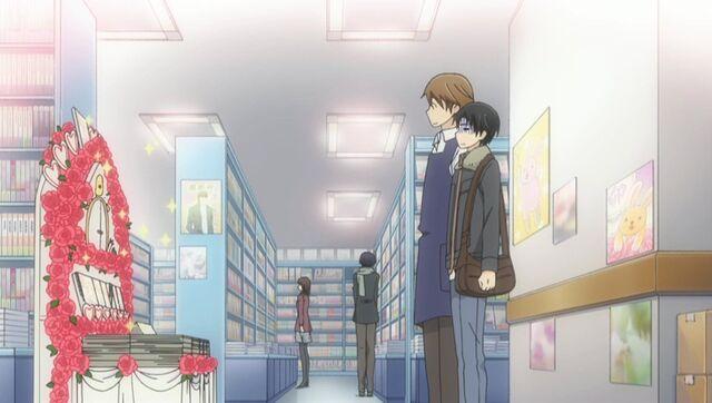 File:Kisa and Yukina admire Yukina's display ep09.jpg