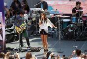 Selena Performs