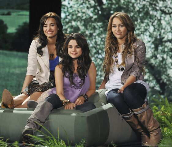 File:Demi-lovato-selena-gomez-and-miley-cyrus.jpg