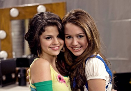 File:Selena-Gomez-and-Miley-Cyrus-Wallpapers-e1381951424991.jpg