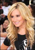 Ashley-tisdale-ready-for-holidays-photos
