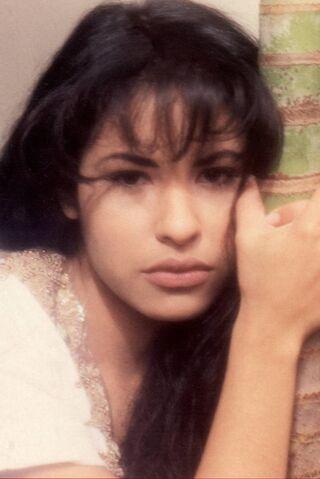 File:Selena welcome.jpg