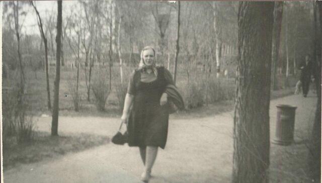 File:Foto1-Sofija-Neverovskaja-1965.jpg