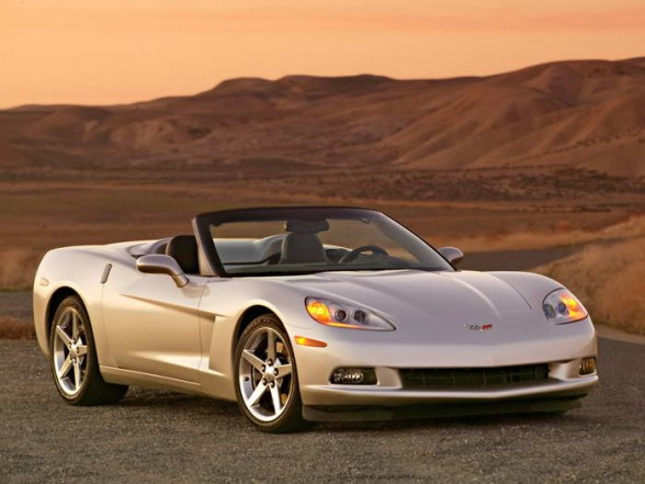 File:2005-chevrolet-corvette-c6-convertible-front-angle-view-588x441.jpg
