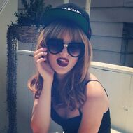 Bella-thorne-cap-tongue-out