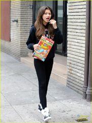Zendaya-coleman-Eating-Fruity-Pebbles-In-The-Street
