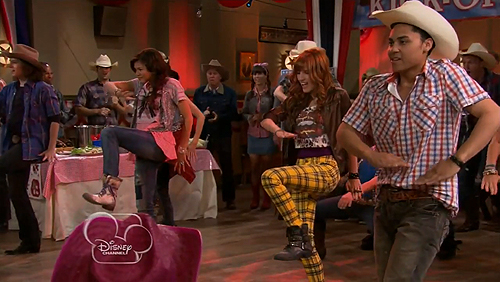 File:Shake It Up Up And Away 22.jpg