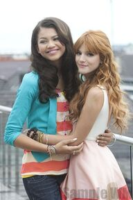 95383 Preppie Bella Thorne and Zendaya Coleman posing for a photo shoot on a hotel in Munich 11 122 239lo