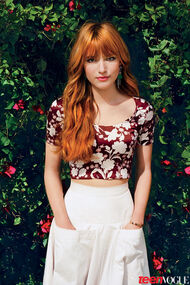 Bella-thorne-floral-outfit