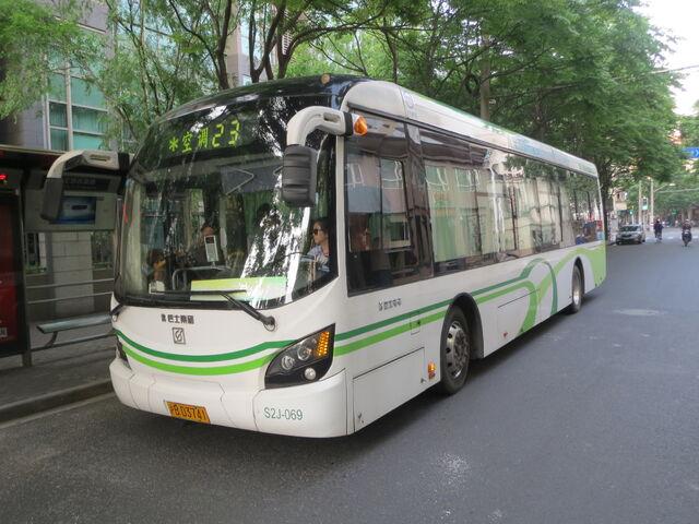File:Electric bus.JPG