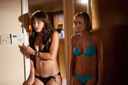 Katherine-McPhee-and-Sara-Paxton-in-Shark-Night-3D-2011-Movie-Image